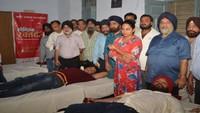 कानपुर केगुरू नानक गर्ल्स इंटर कॉलेज में 73 युवाओं ने स्वैच्छिक रक्तदान