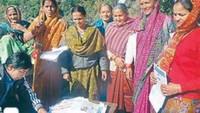 बांदल घाटी के सरखेत में अमर उजाला फाउंडेशन के कंप्यूटर प्रशिक्षण केंद्र में बढ़ी महिलाओं की भागीदारी।