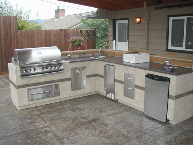 Outdoor Kitchen Construction Cost