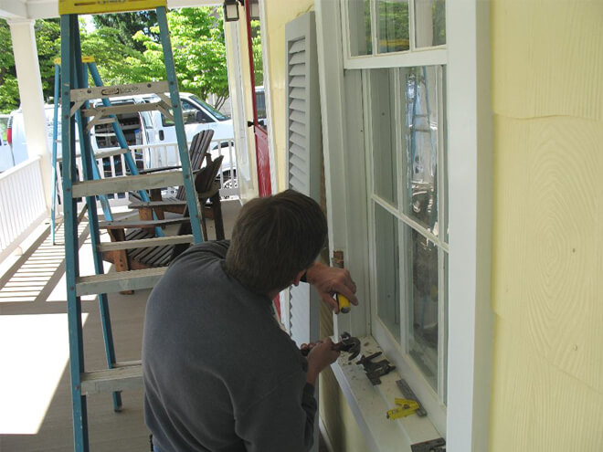 Cost To Install An Exterior Shutter Estimates Prices Contractors Homesace