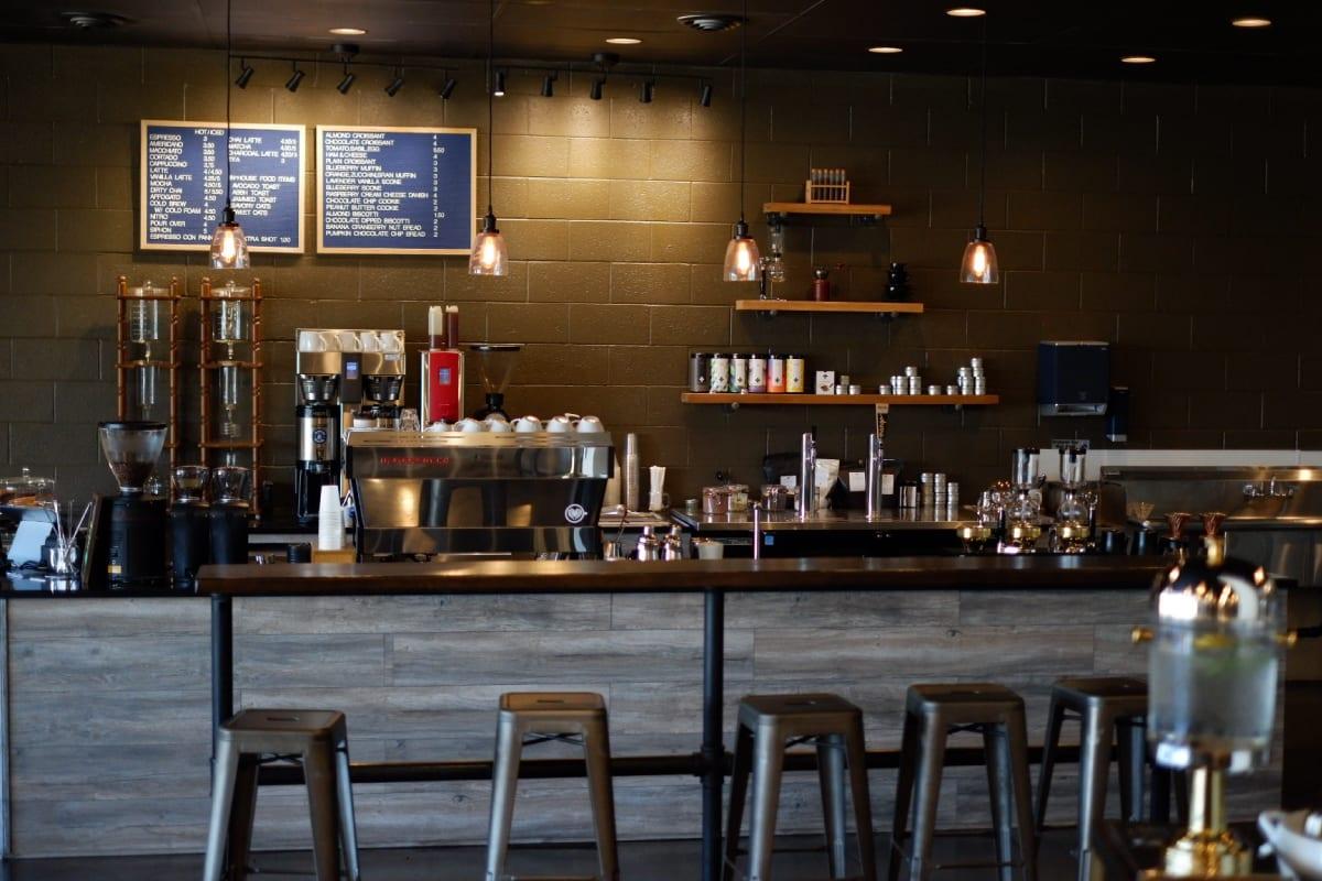 7 Tips Untuk Memulai Bisnis Bar Anda Sendiri