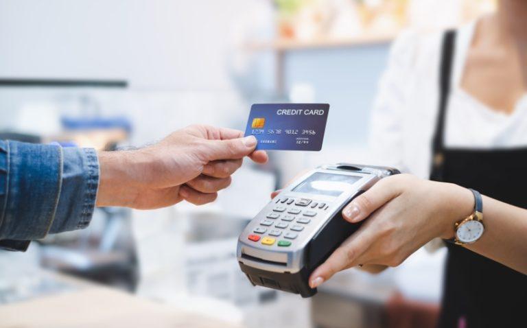 gunakan kartu kredit