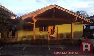 Casa Comercial em Gramado, bairro Carniel