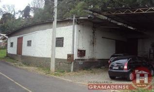 Pavilhão em Gramado, bairro Piratini