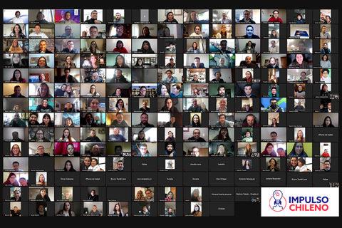 Tras meses de clases y mentorías, los 100 emprendedores de Impulso Chileno...