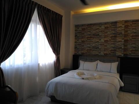 P 20161020 153655 master bedroom