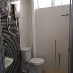 P 20161020 154558 master bedroom toilet