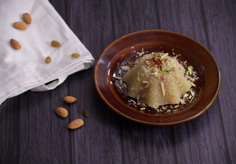 Kesari sheera recipe semolina halwa recipe kesar rava recipe ifn india food network india ifn marathirecipesindian sweetsdesserts forumfinder Image collections