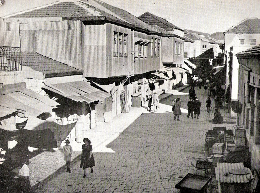 "<p>Mea Shearim, cir­ca <span class=""numbers"">1950</span> (<a href=""https://he.wikipedia.org/wiki/%D7%A7%D7%95%D7%91%D7%A5:100_Shearim_ca1950.jpg"">via</a>)</p>"
