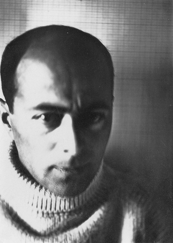 <p>El Lissitzky, self portrait in 1914. </p>
