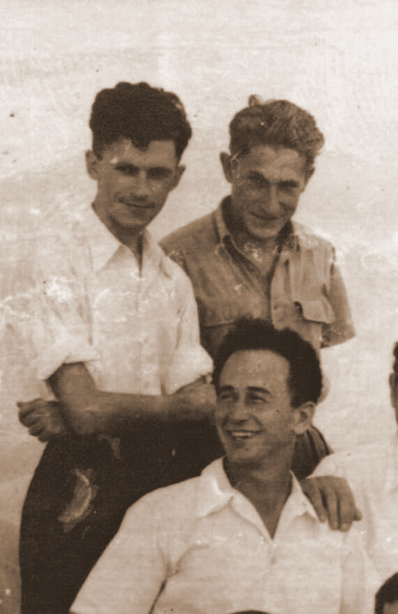 <p>A zoom-in on Binyomin Harshav together with Yossl Birshtein and Avrom&nbsp;Rintsler.</p>