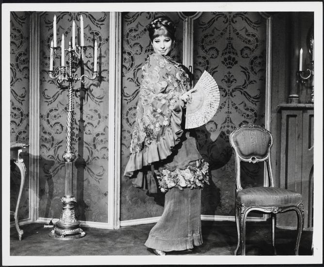 <p>Barbra Streisand as Fanny Brice in <i>Funny Girl</i>, 1968. Museum of the City of New York, Gift of Frank Goodman,&nbsp;65.69.1</p>