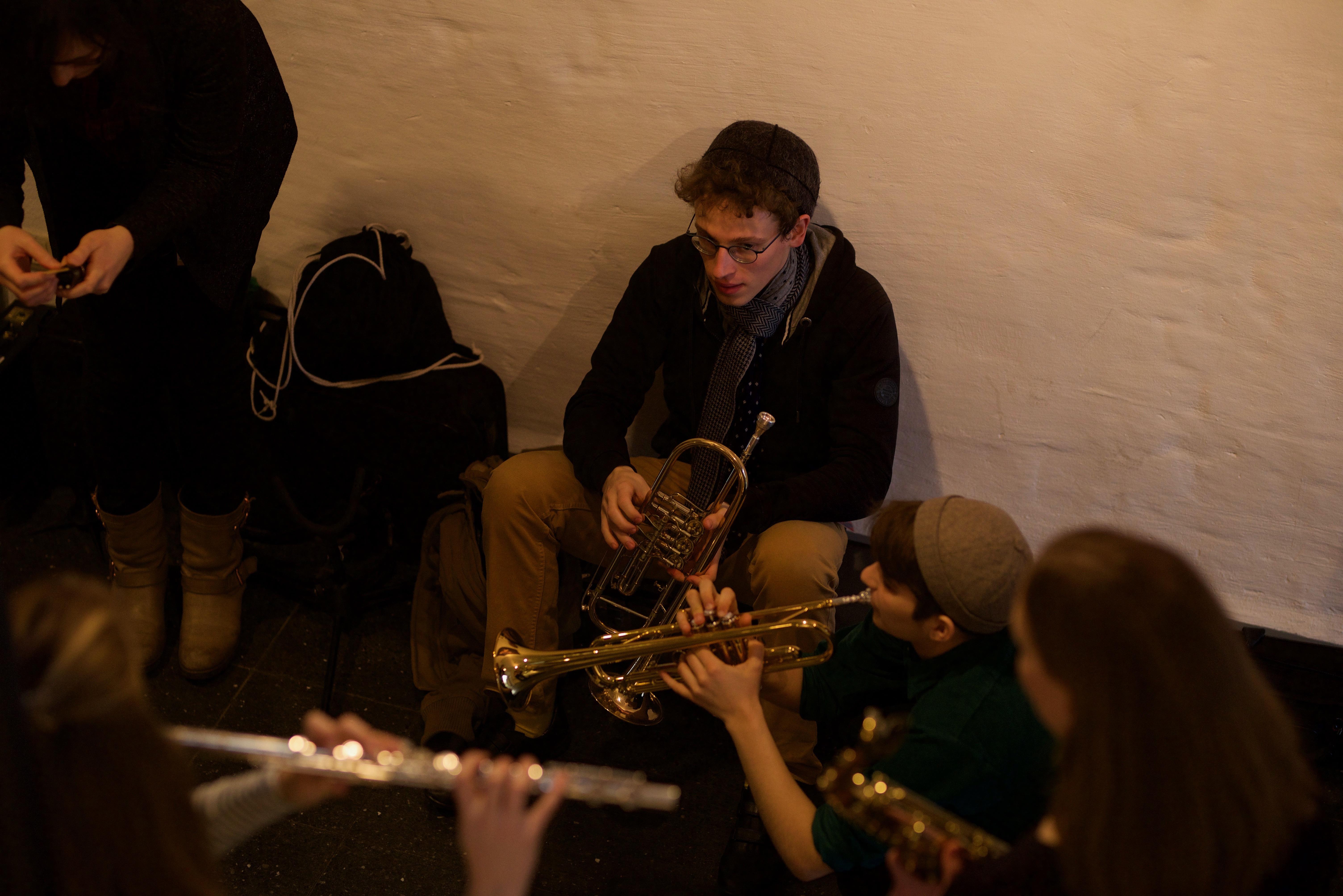 <p>Musical workshop participants on a break. Photo by Shendl&nbsp;Copitman</p>