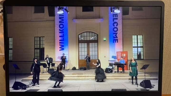 "<p>The Saturday mainstage concert at Shtetl Berlin <span class=""numbers"">2020</span>, livestreamed from the Jewish Museum in Berlin, featuring Alan Bern, Craig Judelman, Christian Dawid, Sanna Möricke, Sasha Lurje, Daniel Kahn, Yeva Lapsker, and Sayumi Yoshida. Photo by Shendl Kopitman&nbsp;Kovnatsky.</p>"
