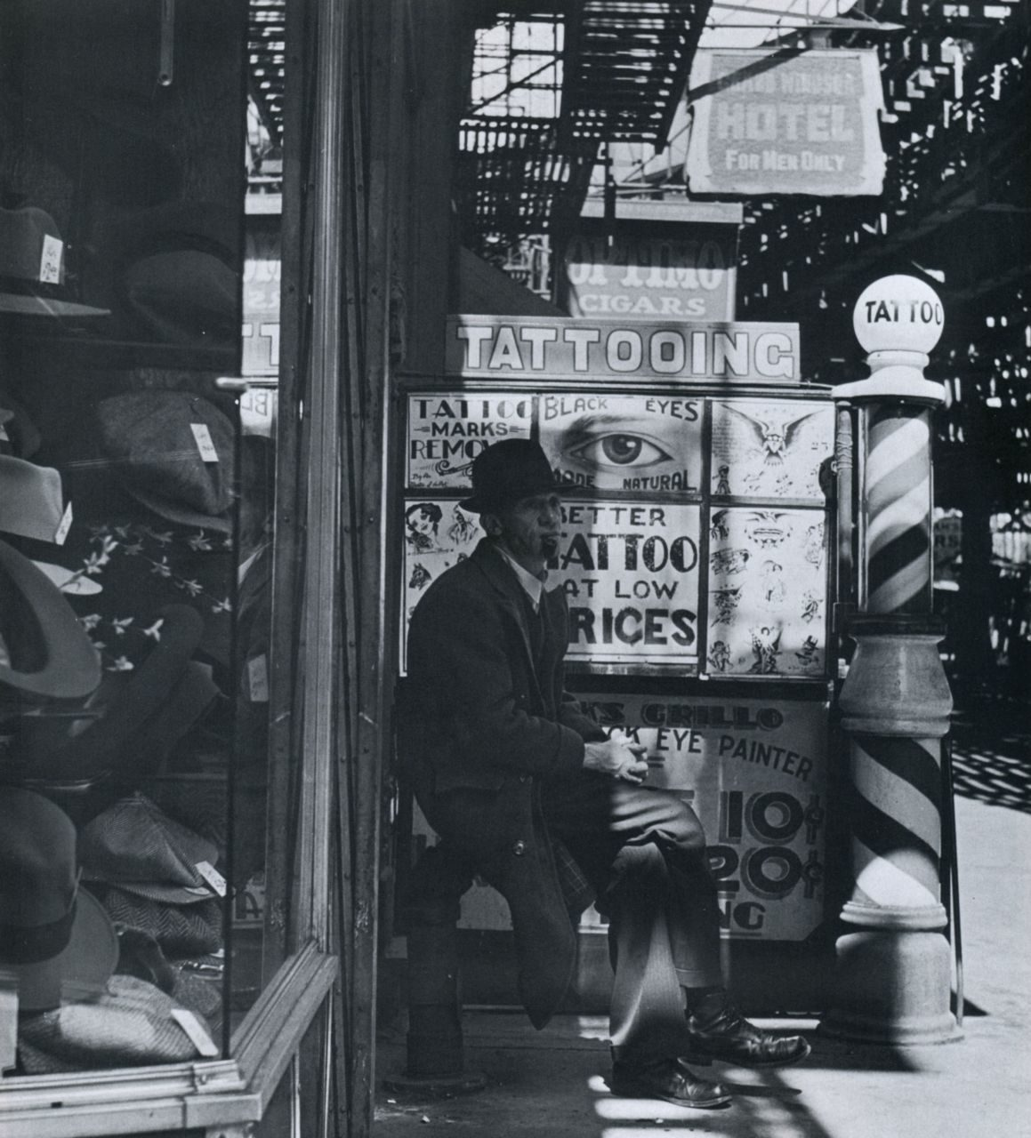 <p>On the Bowery, 1937. (Yiddishists not shown.)</p>