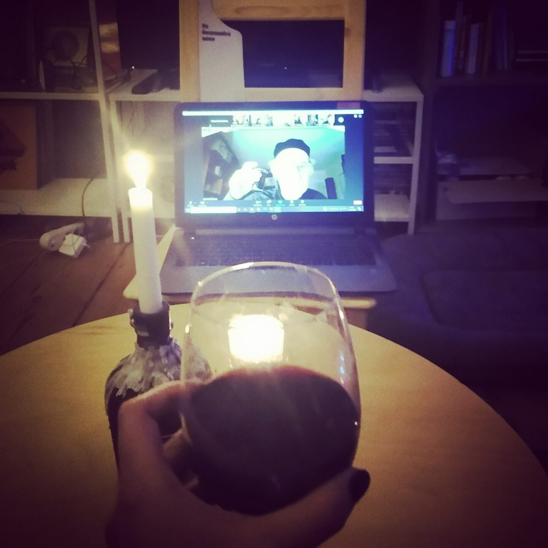 <p>Ekaterina Kuznetsova raises a&nbsp;glass with Michael Alpert at Shtetl Berlin's online <em>shabes tish</em>. Photo by the&nbsp;author.&nbsp;</p>