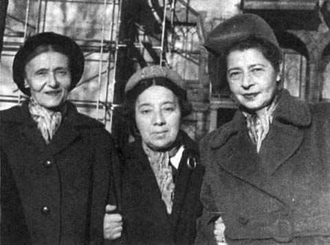 <p>Poets Kadia Molodowsky, Ida Maze, and Rokhl Korn, via jwa.org</p>