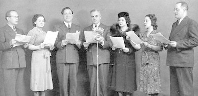 "<p>Yid­dish sound in a&nbsp;pre-pod­cast era. Image <a href=""https://storycorps.org/podcast/storycorps-489-yiddish-radio-project-part-1/"">via</a></p>"