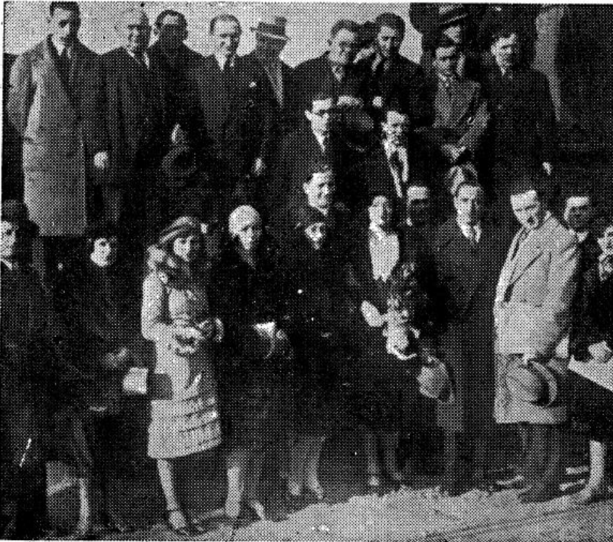 """<p>The Maurice Schwartz Yiddish Art Troupe in Argentina (<span class=""""numbers"""">1930</span>). Source: Adolf Mide, <em>Epizodn fun yidishn teater (Episodios del teatro judío)</em>, vol. <span class=""""numbers"""">1</span>, <span class=""""numbers"""">4</span><sup class=""""ordinal"""">th</sup> edition (Buenos Aires: <span class=""""numbers"""">1957</span>), p.&nbsp;<span class=""""numbers"""">31</span>.</p>"""