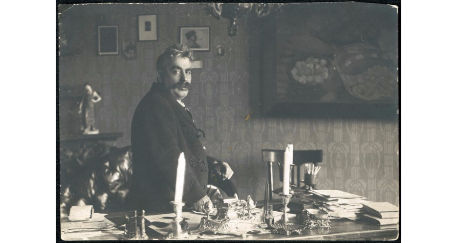 "<p>Peretz in his study, War­saw, before <span class=""numbers"">1915</span>. (<span class=""caps"">YIVO</span>)</p>"