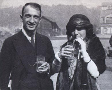 "<p>Molly Picon and Jacob &#8220;Yonkel&#8221; Kalich in Carlsbad, 1921. via&nbsp;<a href=""http://jwa.org/media/molly-picon-and-jacob-yonkel-kalich-vacationing-in-carlsbad"">jwa.org</a></p>"