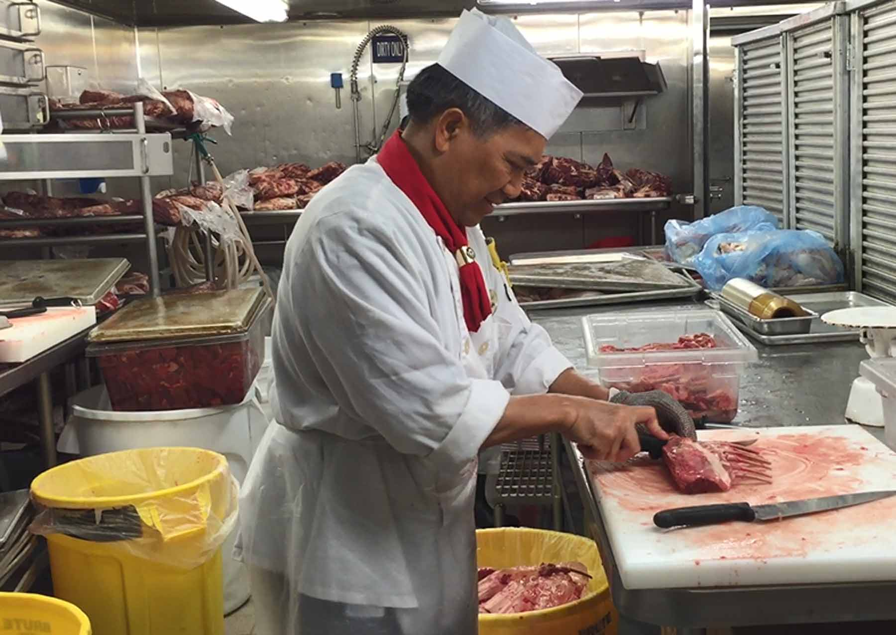 How meals are prepared on a cruise ship
