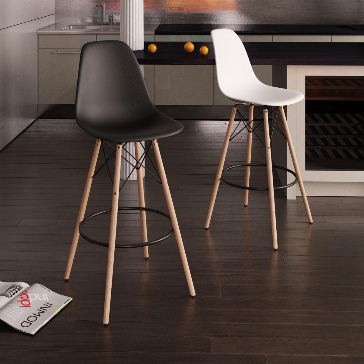Molded Plastic Bar Stool With Wood Legs. U003e