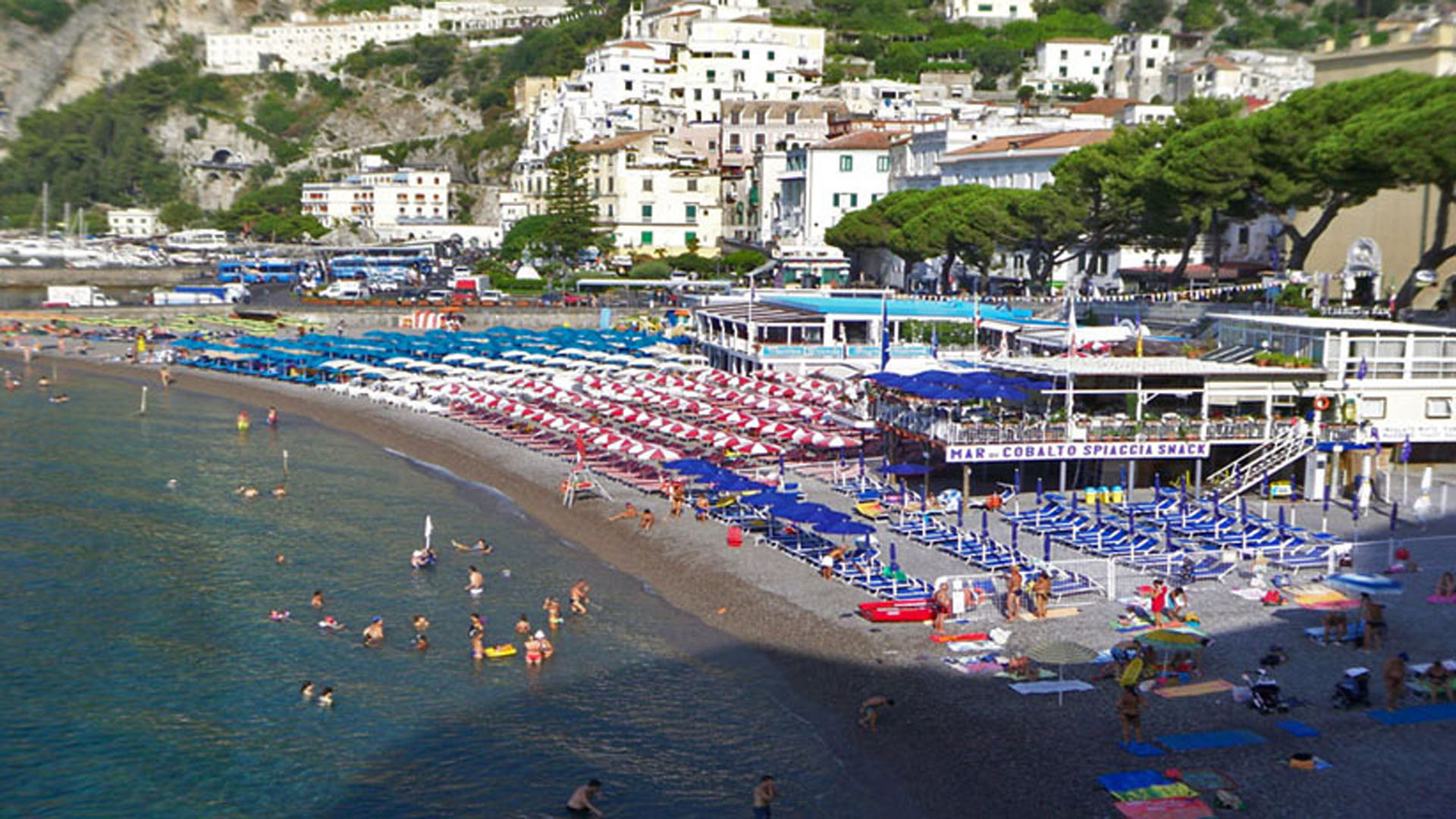 Amalfi center beach