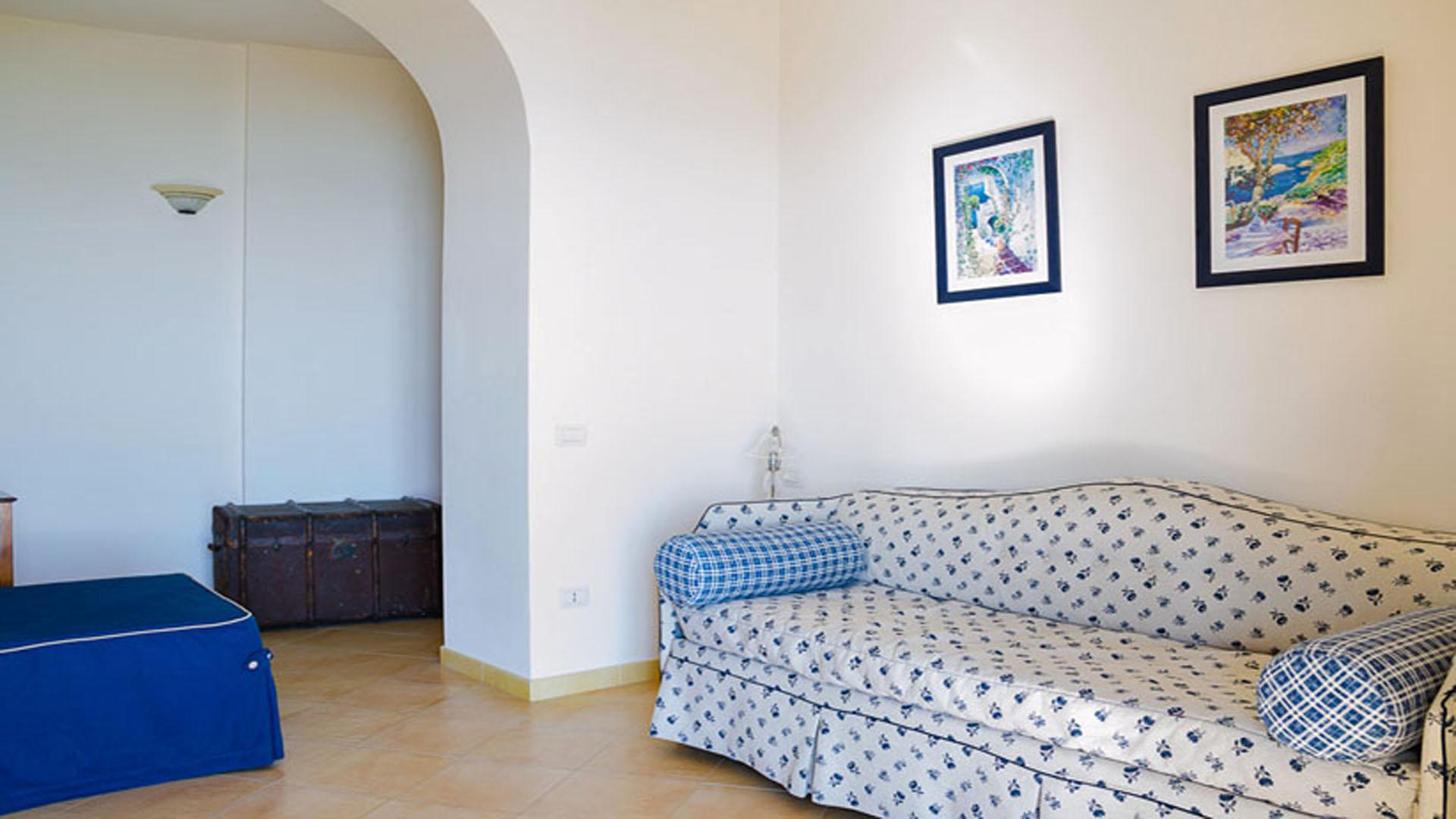 Casa Grande 1st Living Room With Divan Bed