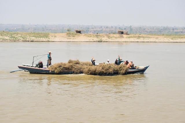 Irrawaddy River Boating Mandalay Myanmar
