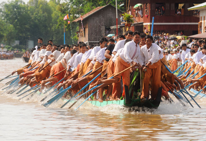 One Leg Rowing Boat Competition