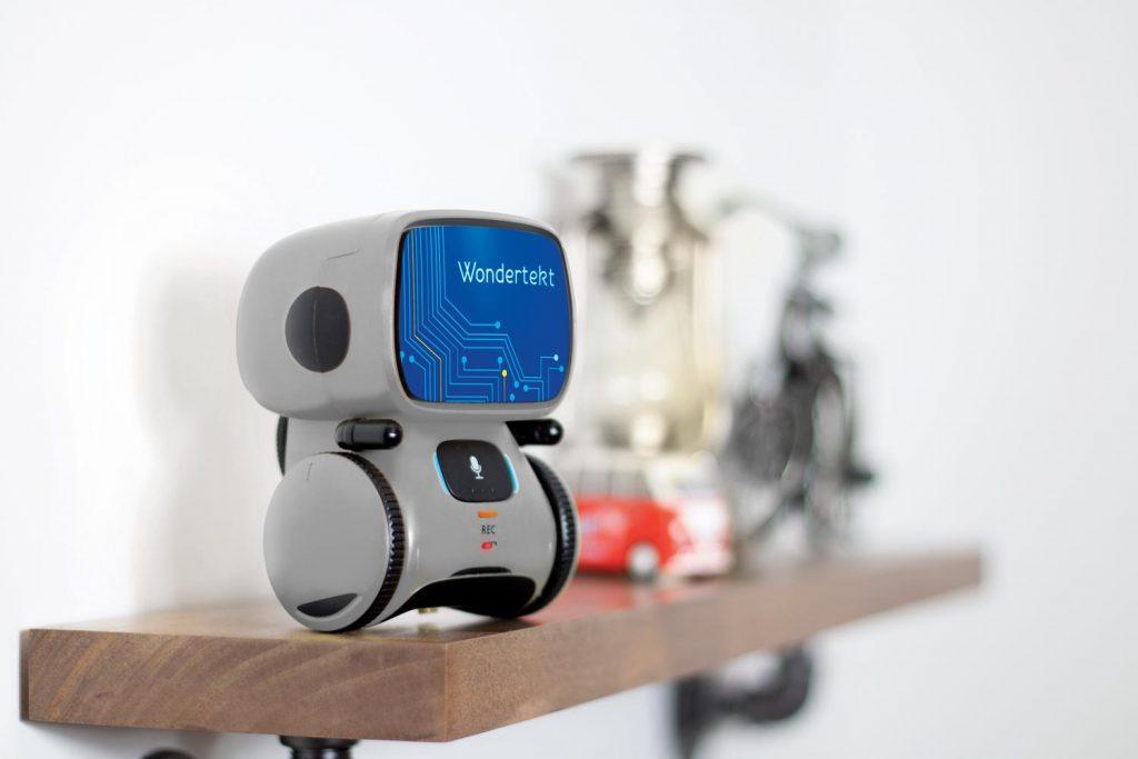 Aaytee Voice-Activated Robot