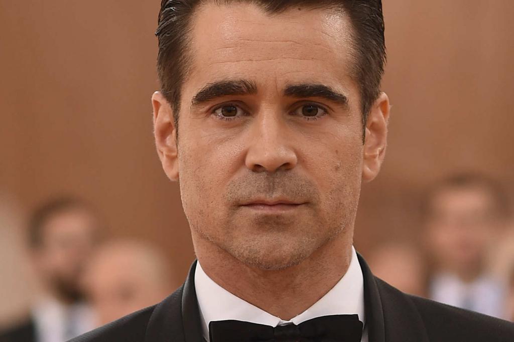Colin Farrell Checks I...
