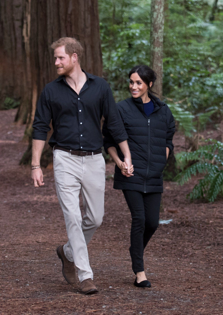 Royal Tour of Oceania | Best Meghan Markle Outfits | InstantHub