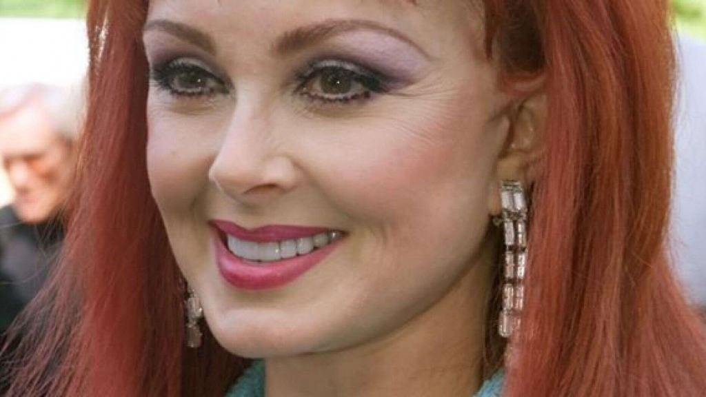 Naomi Judd | Celebrities Who Were Teen Moms | InstantHub
