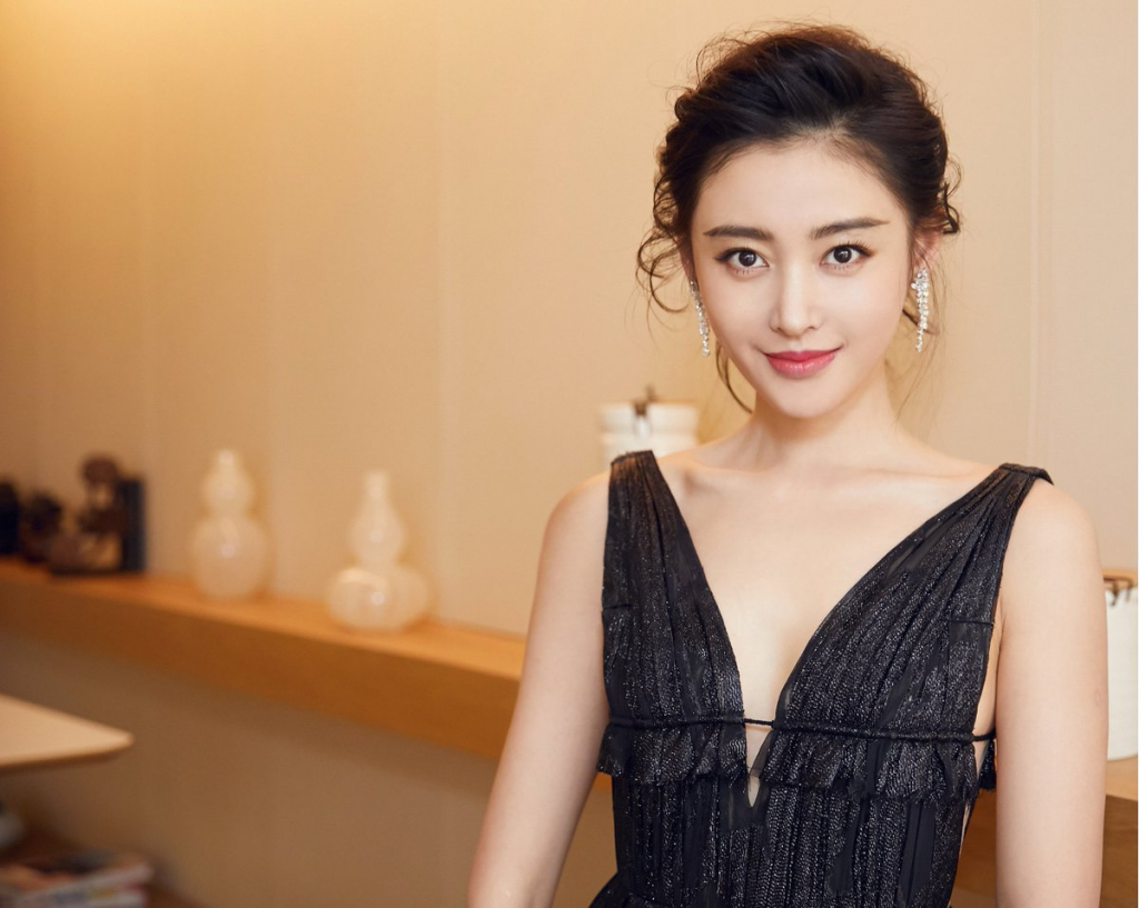 Crystal Zhang | 10 Most Beautiful Chinese Actresses of 2019 | InstantHub