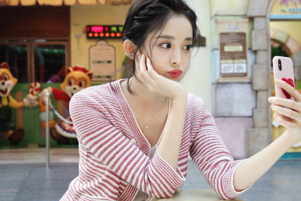 Gu Li Zha Na | 10 Most Beautiful Chinese Actresses of 2019 | InstantHub