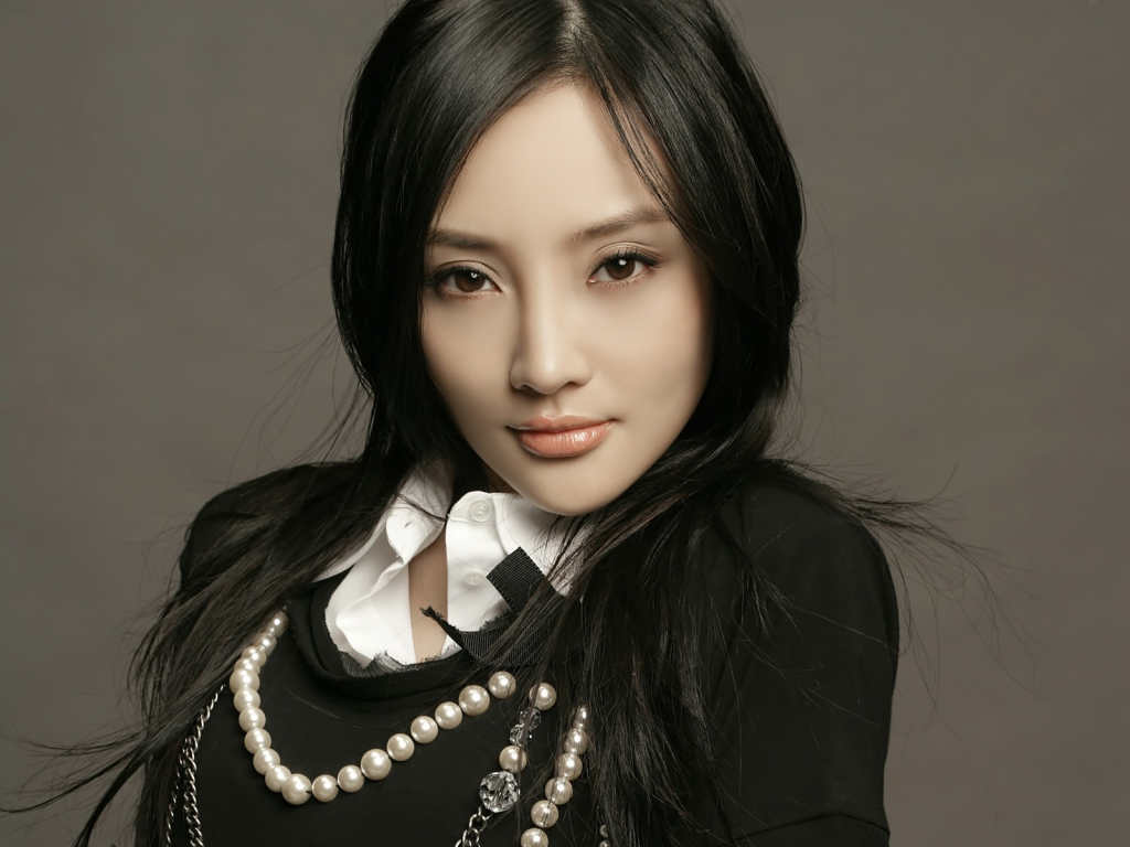 Li Xiaolu | 10 Most Beautiful Chinese Actresses of 2019 | InstantHub