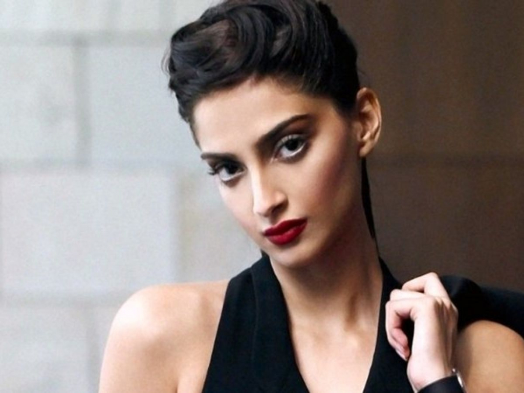 Sonam Kapoor | 10 Beautiful Indian Actresses Worthy of Hollywood | InstantHub