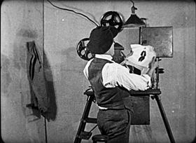 Screenshots from the 1920 Bray Studios cartoon The Circus