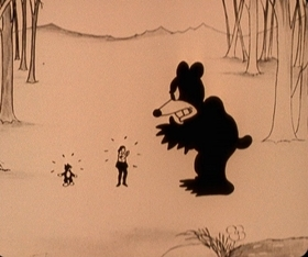 Screenshots from the 1925 Disney cartoon Alice Gets Stung