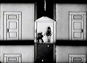 Screenshots from the 1925 Disney cartoon Alice Loses Out