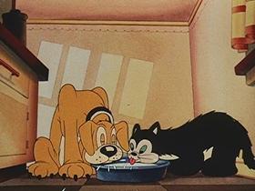 Screenshots from the 1942 Walter Lantz cartoon The Hams That Couldn