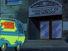 Screenshots from the 1969 Hanna-Barbera cartoon Scooby-Doo and A Mummy, Too