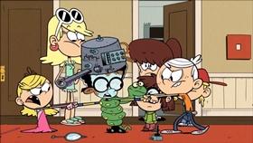 Screenshots from the 2016 Nickelodeon cartoon Overnight Success