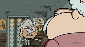 Screenshots from the 2016 Nickelodeon cartoon Intern for the Worse