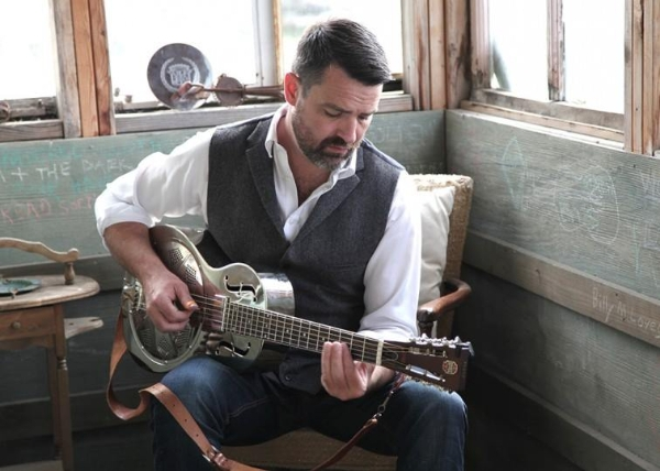 See roots and blues guitarist Martin Harley play in Woking!