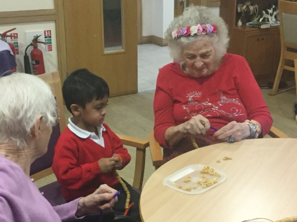 Eagle-eyed students join Copthorne care home for the Big Garden Birdwatch
