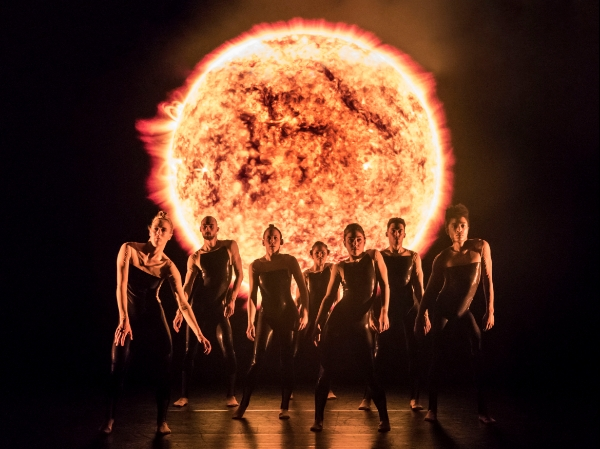 Alexander Whitley Dance Company - 8 Minutes