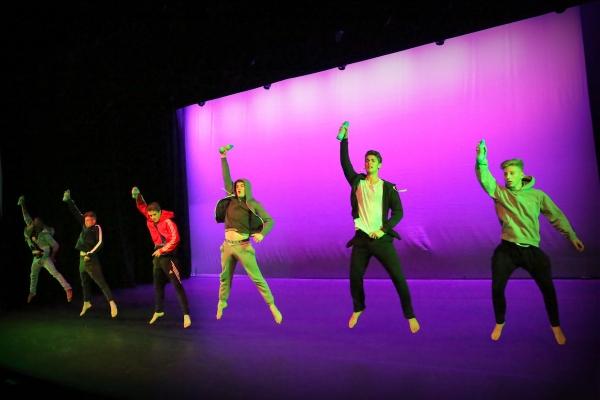 Boys Platform - Dance Woking!
